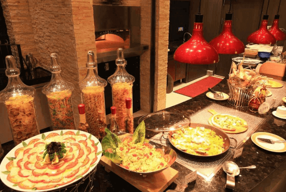 日式自助餐