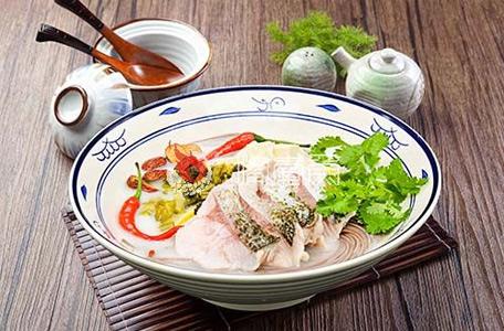 """""""高品质高颜值""""的嘴爱鱼酸菜鱼在餐饮行业中""""放肆""""前行。"""