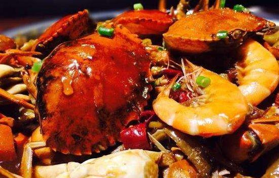萌范肉蟹煲
