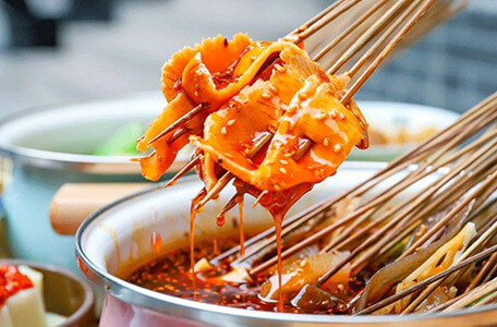 棒!阿菡钵钵鸡:让你撑肠拄腹扶墙出的网红钵钵鸡。