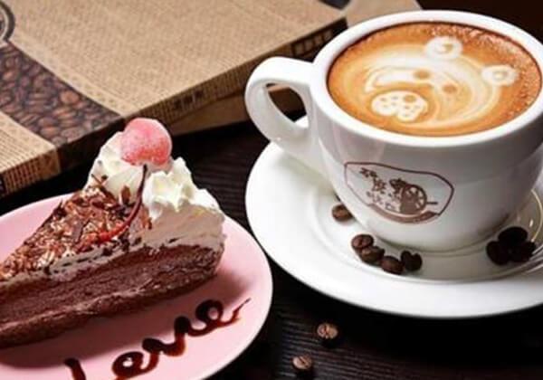 研磨时光咖啡的咖啡和蛋糕
