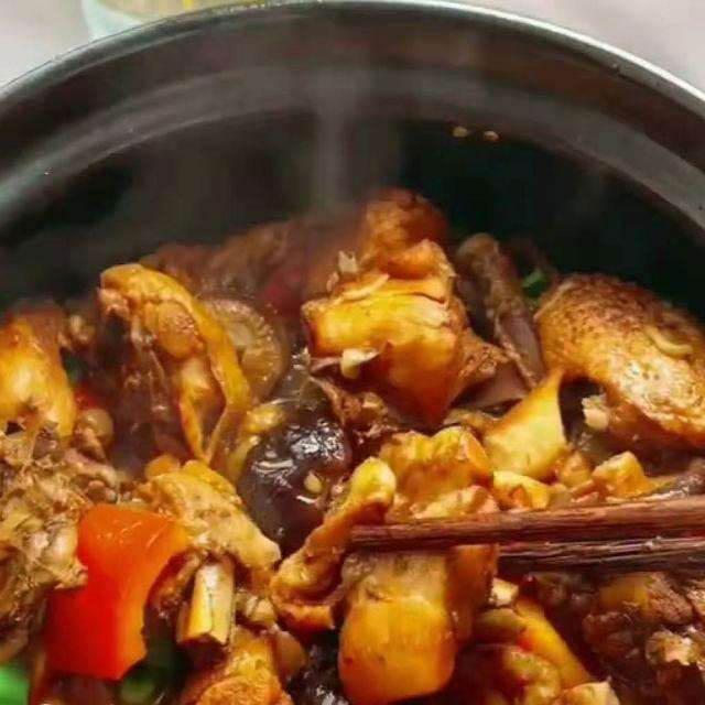 八珍黄焖鸡米饭