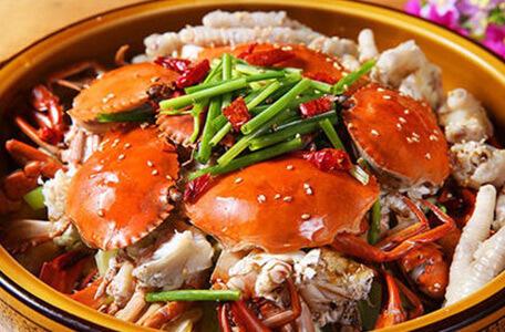 多嘴肉蟹煲的发展如芝麻开花,品牌想要成功贵在坚持。
