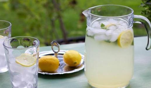 柚见檬奶茶
