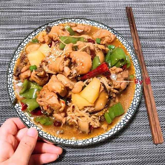 何禹记黄焖鸡米饭