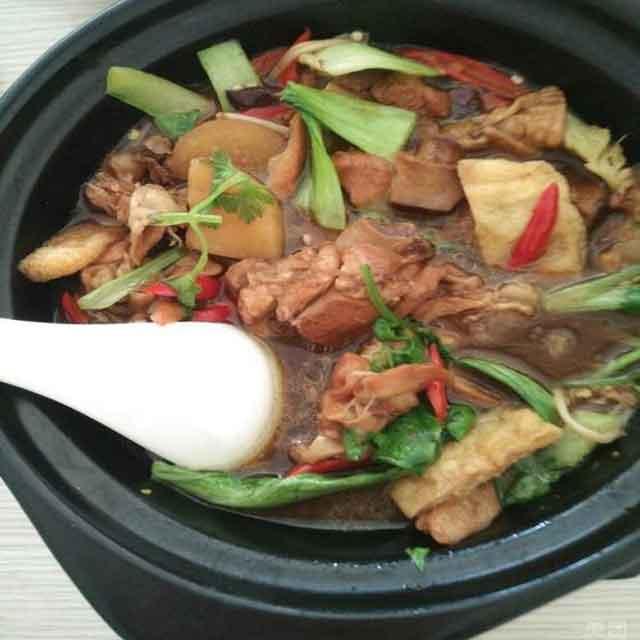 极味坊黄焖鸡米饭