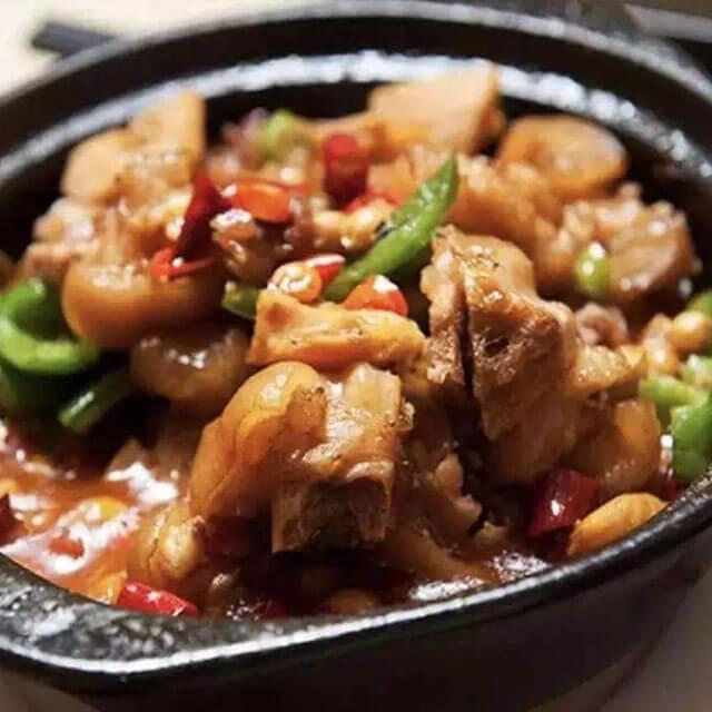 泉聚阁黄焖鸡米饭