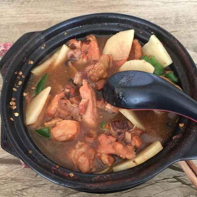 悦味思黄焖鸡米饭