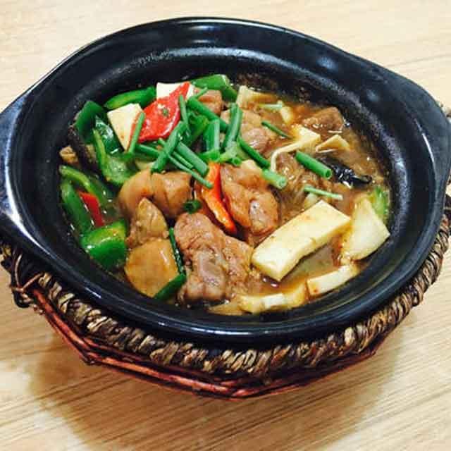 鱼米鸡香黄焖鸡米饭