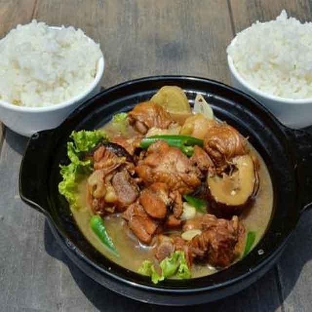 鲁氏黄焖鸡米饭
