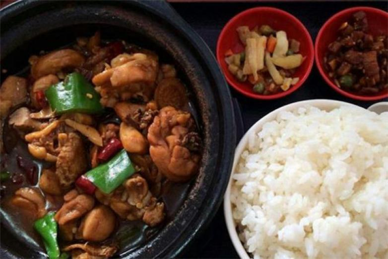 九匹狼黄焖鸡米饭加盟