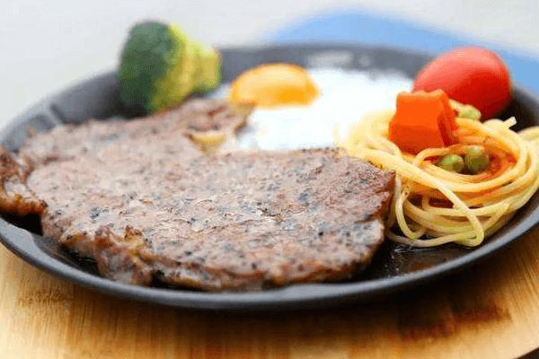 Chef·1985娘家牛排美味