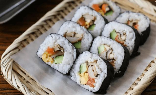 卷卷寿司加盟